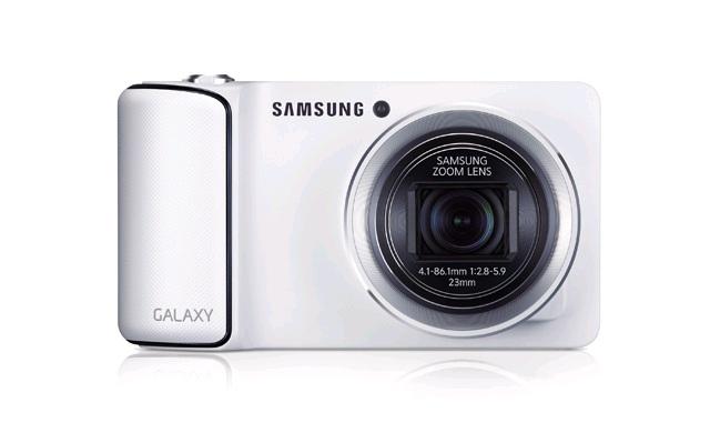CLIC CLIC CLAC : Partagez en temps réel vos photos sur les réseaux sociaux avec le Samsung Galaxy Camera !