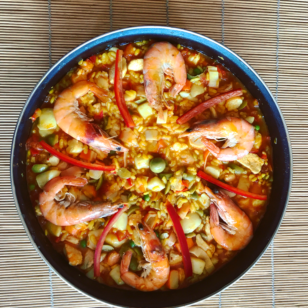 How to cook a spanish paella ? Great time inhellip