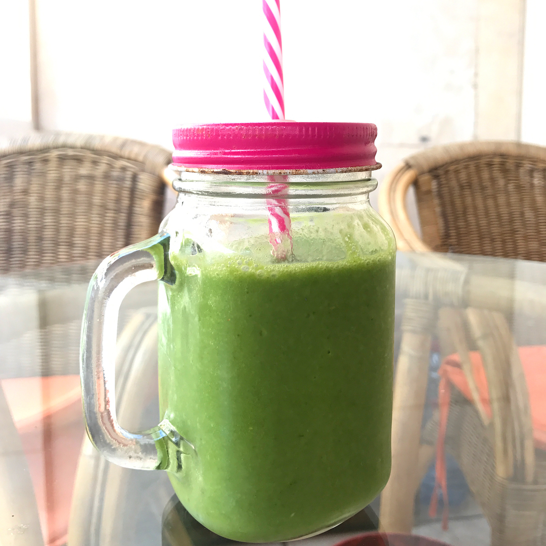 morningsmoothie spinach pinapple orange banana wellness almondmilk veganpower vegetarian vegehellip